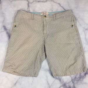 ⭐️ 3/$20 Original penguin cream gray short sz 33